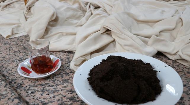"""Üzerine dökülen çaydan esinlenen girişimci """"çay kokulu kumaş"""" üretti"""