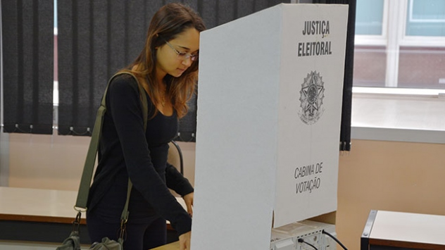 Brezilyada halk devlet başkanlığı seçimi için sandık başında
