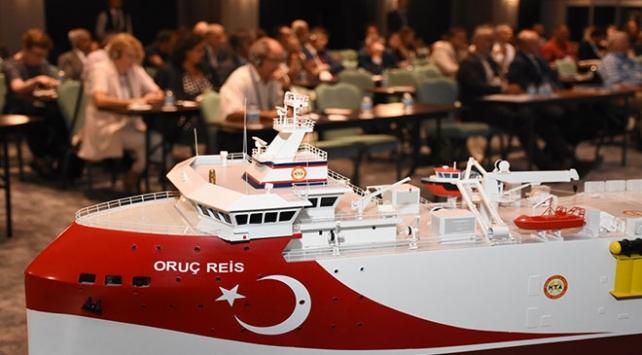 """Türkiyenin milli sismik gemisi """"Oruç Reis""""e bilim insanlarından övgü"""