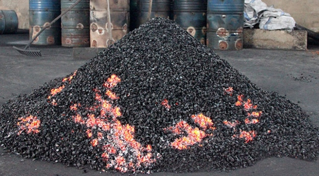 Fındık kabuğundan mangal kömürü üretiliyor