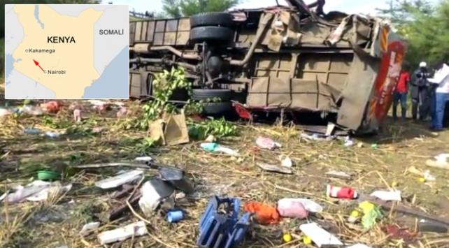 Kenyada yolcu otobüsü devrildi: 50 ölü