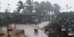 Hindistanda siklon fırtınası alarmı: 300 bin kişi tahliye edildi