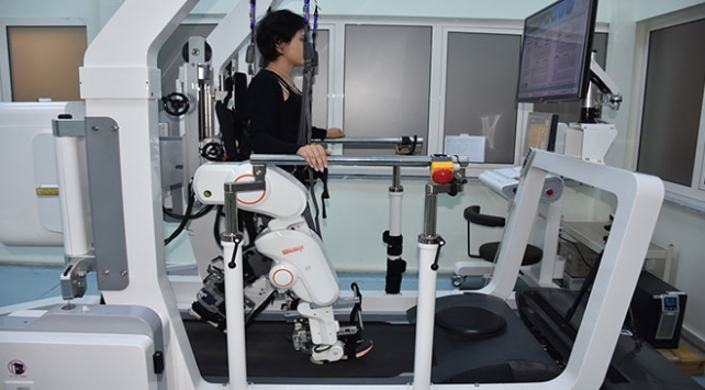 Karsta felçli hastalara robotlu destek