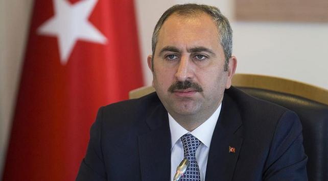 Bakan Gülden İzmir Adliyesinde zehirlenenlere geçmiş olsun dileği