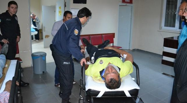 Aksarayda polislerin bulunduğu araç kaza yaptı: 5 yaralı