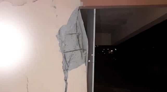 Bursada kolonunda çatlaklar oluşan 5 katlı bina boşaltıldı