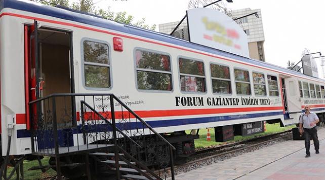 Gaziantepte 1978 model iki yolcu vagonu mağazaya dönüştürüldü