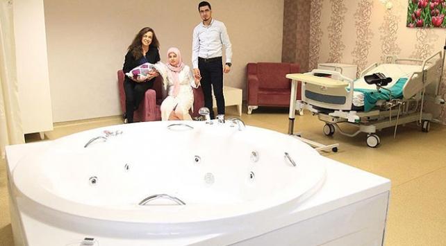 Devlet hastanesinde jakuzide doğum