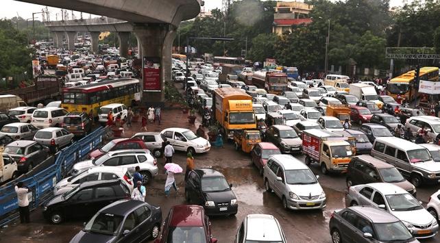 Hindistanda 2017de trafiğe 148 bin kurban