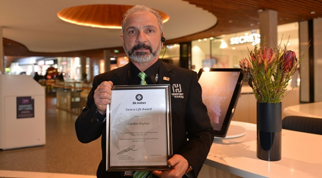 Avustralyada kalbi duran genci hayata döndüren Türke kahramanlık ödülü
