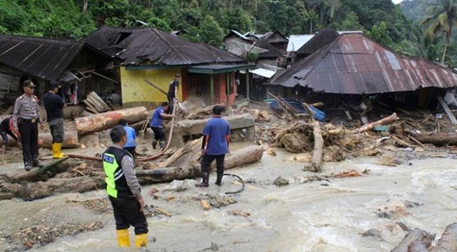 Endonezyada şiddetli yağış: 22 ölü