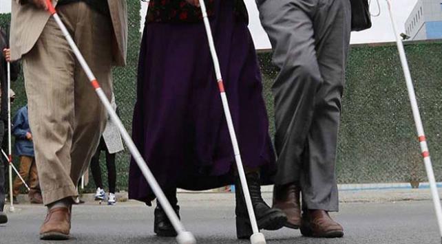 Fasta görme engelliler hükümetten iş istedi