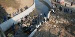 İzmirde göçmenleri taşıyan kamyon devrildi
