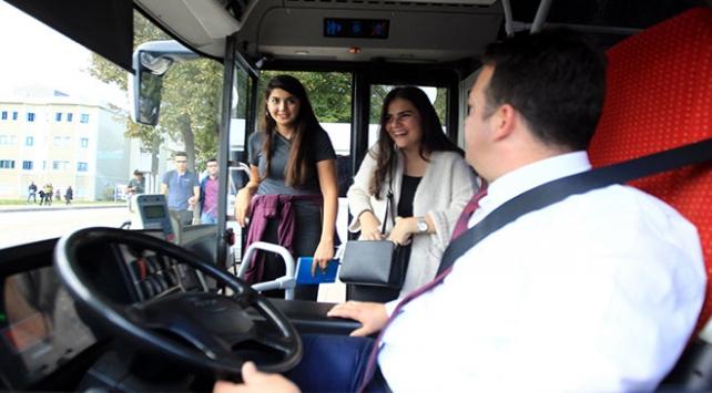 """Samsunda otobüs şoförü yolcularını """"hoş geldiniz"""" diyerek karşılıyor"""