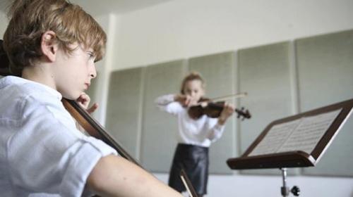 Müzisyen kardeşler uluslararası yarışmadan ödülle döndü
