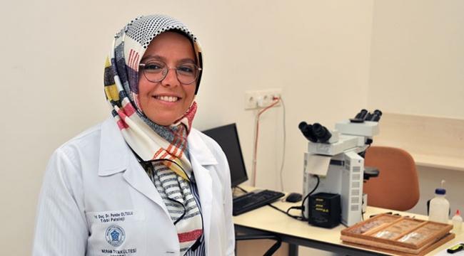 """Türk bilim insanı """"Dünya Patolojisinde En Etkin 100 İsim"""" arasında yer aldı"""