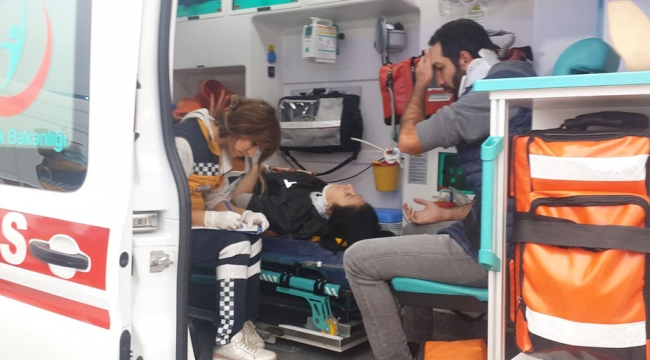 Kocaelide işçi servisi ile otomobil çarpıştı: 16 yaralı