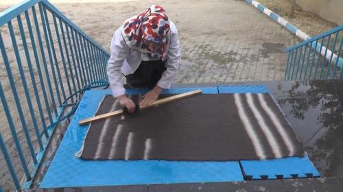 Muşlu halı dokuma ustası unutulmaya yüz tutmuş mesleğini yaşatıyor