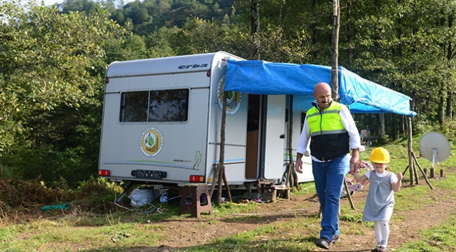 Orman işçisi evini doğaya taşıdı