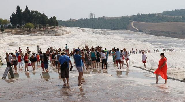 Pamukkale'yi 9 ayda 1 milyon 750 bin kişi ziyaret etti