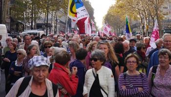 Fransada emekliler sokaklara döküldü