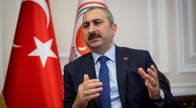 Adalet Bakanı Gülden Danıştaya öğrenci andı tepkisi