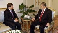 Mursi, Davutoğlu'nu Kabul Etti
