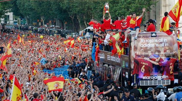 İspanyada Buruk Kupa Sevinci