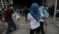Guatemala'da Öğrenciler Sokaklarda