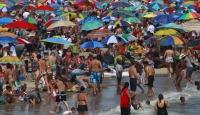 Dünya Sıcak Ve Selle Boğuşuyor