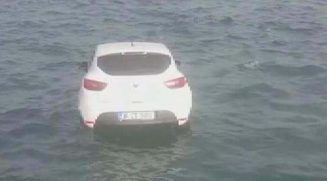 Otomobilinin önce fotoğrafını çekti, ardından denize itti
