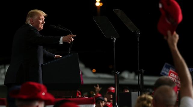 Trump: Demokratlara oy verenler deli olmalı
