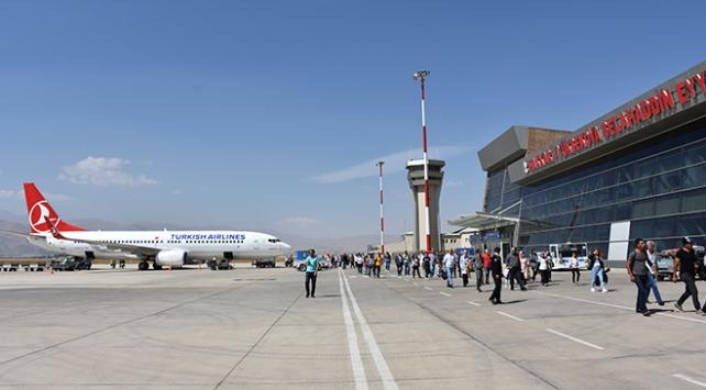 Selahaddin Eyyubi Havalimanı'nda yolcu sayısı artıyor