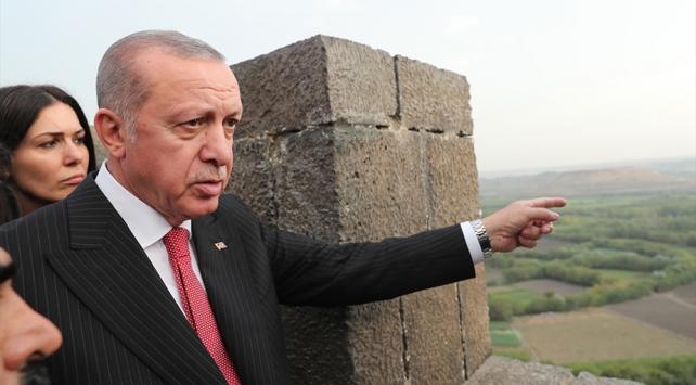 Cumhurbaşkanı Erdoğan Surda incelemelerde bulundu