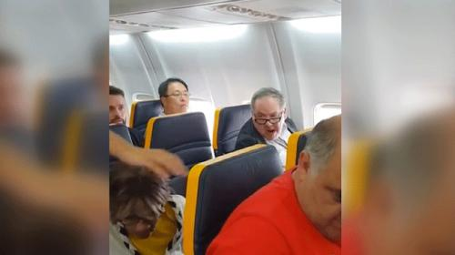 Ryanair uçağında ırkçı taciz skandalı