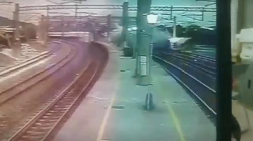Tayvandaki tren kazasının görüntüleri ortaya çıktı
