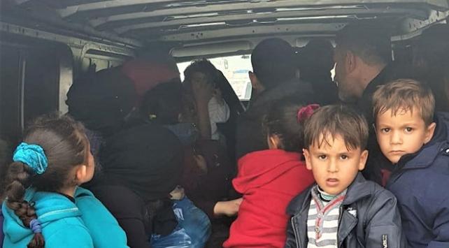 İzmirde 32 göçmen yakalandı