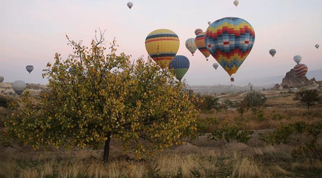 Sonbahar renkleri Kapadokyada görsel şölen oluşturdu