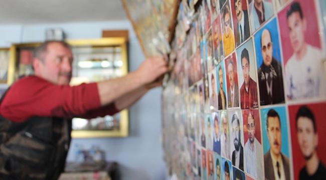 Trabzondaki çay ocağında müşterilerin fotoğrafları sergileniyor
