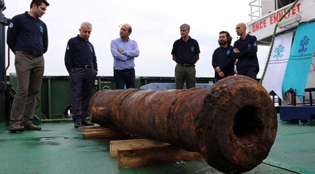 Didim açıklarında bulunan 18. yüzyıla ait Rus savaş gemisi kalıntıları sergilendi
