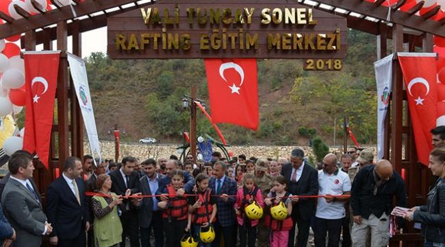 Türkiyenin ilk rafting eğitim merkezi Tuncelide açıldı