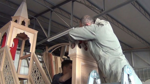 Afyonkarahisardaki camileri İlyas Özbayın eserleri süslüyor