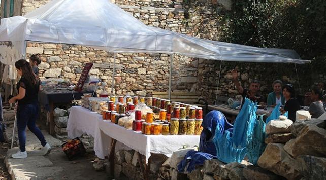 Muğla Stratonikeia Antik Kentinin pazarı yeniden kuruldu