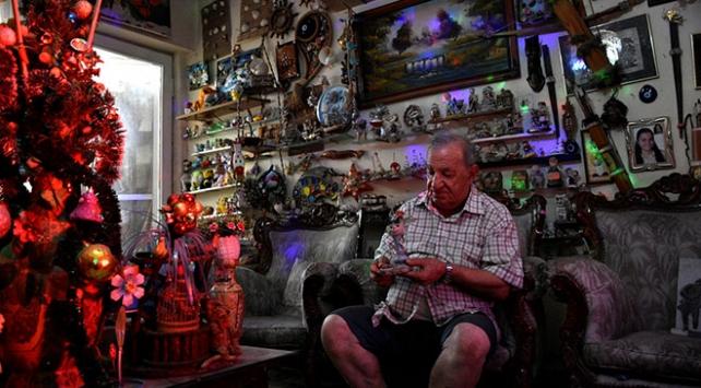 Hatayda yaşadığı evi 56 yıldır biriktirdiği oyuncaklarla donattı