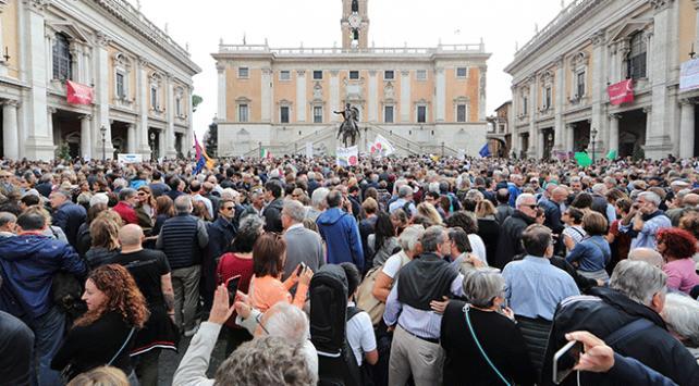Romada şehir yönetimi protesto edildi