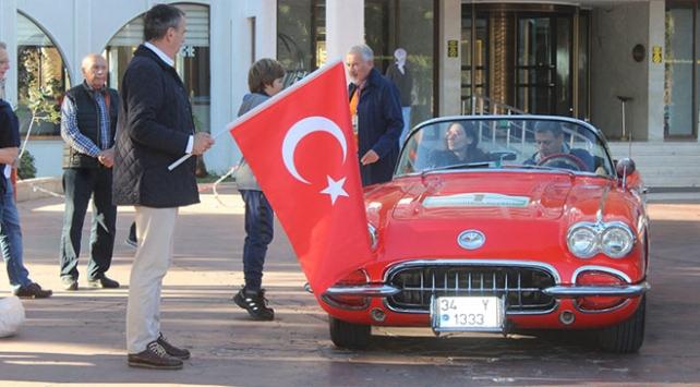 """Klasik otomobillerden """"Cumhuriyet Rallisi"""""""