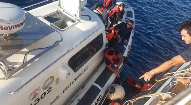 Muğlada düzensiz göçmenleri taşıyan tekne battı
