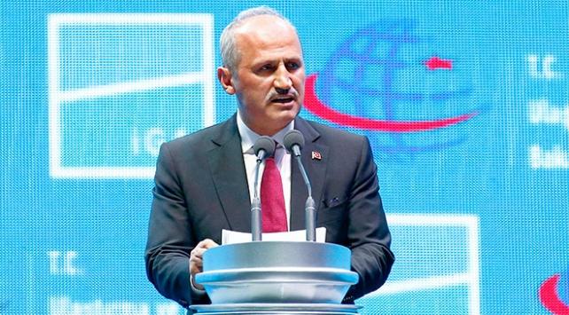 Bakan Turhan: Havayolu şirketleri tahditsiz uçuş yapabileceklerdir