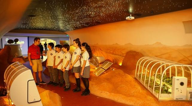 """""""Uzay Kampı Türkiye""""de çocuklar Marsı keşfedecek"""