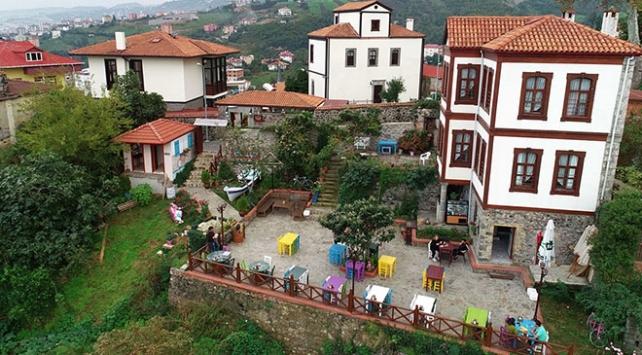 Tarihi dokusuyla ziyaretçilerin gözdesi: Trabzon Ortamahalle
